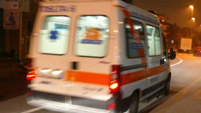 Scontro auto-camion nella notte, muore a Parma un ragazzo di 19 anni