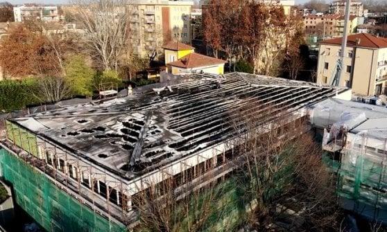 Parma, lavori di riqualificazione a scuola: scoppia un incendio, classi evacuate