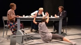 """Cosa succede quando in una famiglia arriva il figlio """"diverso""""? A Teatro Due  c'è Anna dei Miracoli"""