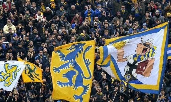 Biglietto ospiti a 40 euro, i tifosi del Parma disertano la trasferta a Napoli
