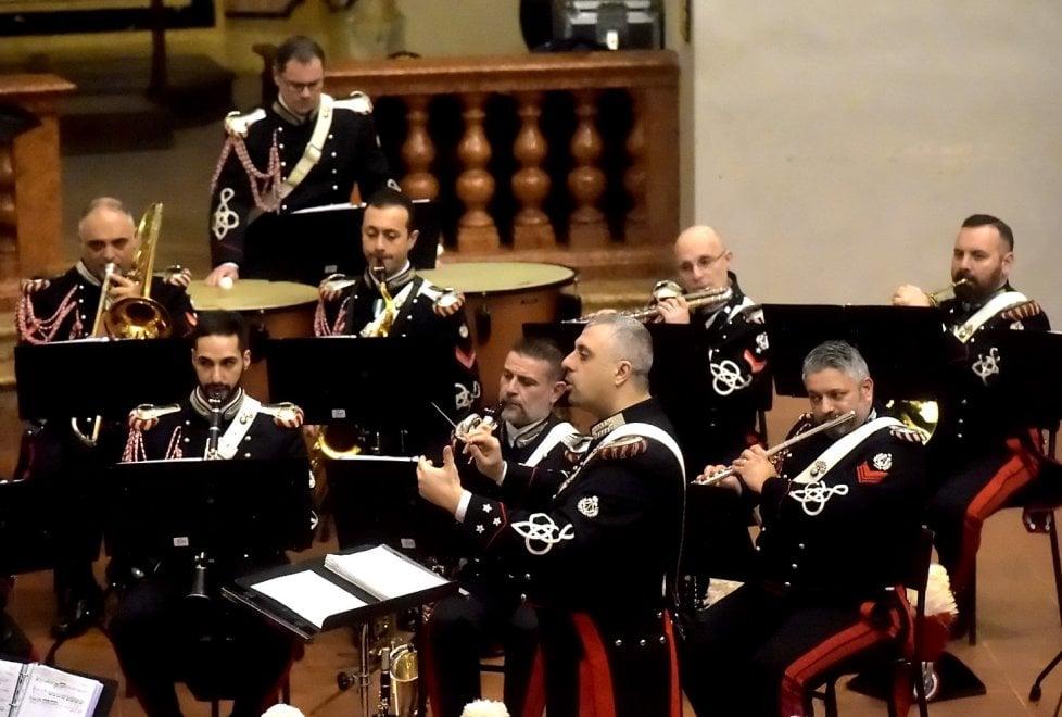 Parma, applausi alla fanfara dei carabinieri all'Annunziata - Foto