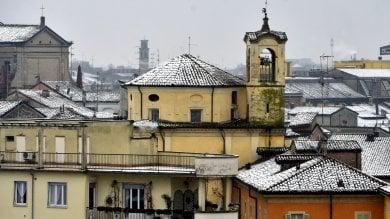 Una spolverata di neve imbianca la città