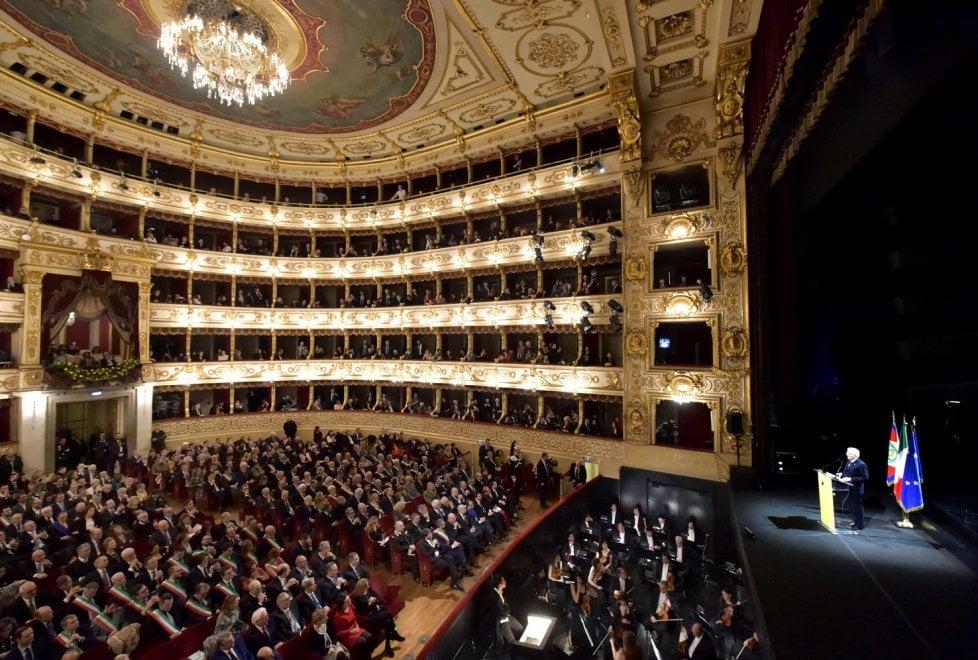 Autorità e cittadini: l'abbraccio di Parma a Mattarella - Foto