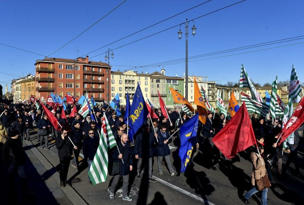 Trasporto pubblico: a Parma lavoratori della Tep in piazza - Foto