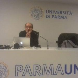 """Parma, il neuroscienziato Gallese: """"La vita è diventata un film di scene clou scattate, condivise e subito dimenticate"""""""