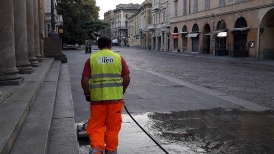 """Coronavirus, Pizzarotti: """"Pulire le strade? A Parma c'è un piano da anni. Alcuni sindaci fanno confusione"""""""