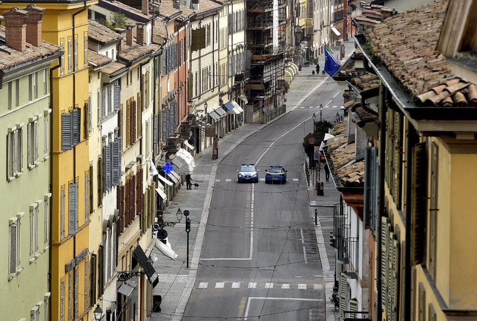 """Coronavirus, Parma città """"sospesa"""" nella prima domenica di primavera - Foto"""