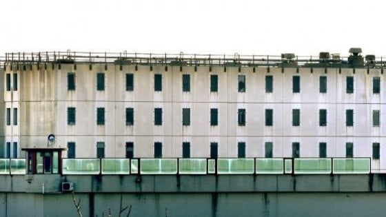 """I sindacati: """"Detenuti in quarantena a Parma. Eseguire il tampone a tutti gli agenti"""""""