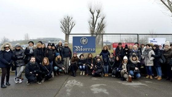 Parma, la Morris in crisi riparte producendo gel igienizzante