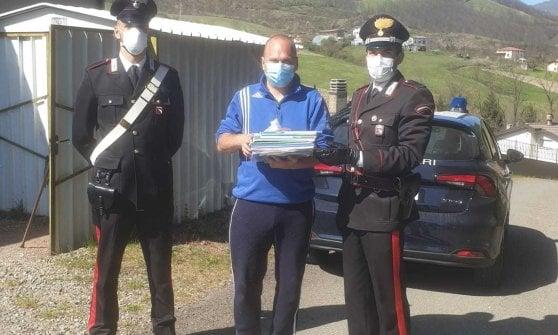 Parmense, la scuola è chiusa: i carabinieri portano libri e pc fino alle pendici del monte Penna