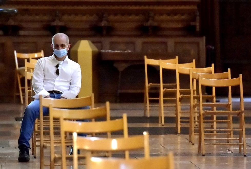 Parma, il Duomo riapre le porte ai fedeli: torna la messa - Foto