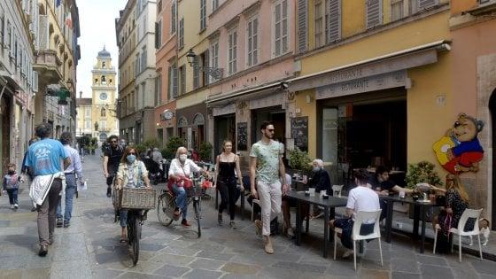 """Tavoli all'aperto a Parma, i commercianti ci credono. """"Tante richieste. Sarà spunto per nuove pedonalizzazioni"""""""