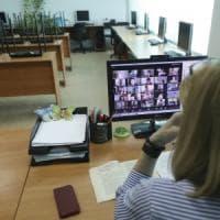"""""""Prof, la sua voce mi rilassa !"""": i docenti di Parma raccontano tre mesi di scuola da casa"""