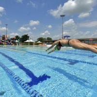 È tempo di tornare in piscina: a Moletolo il primo tuffo post lockdown - Foto