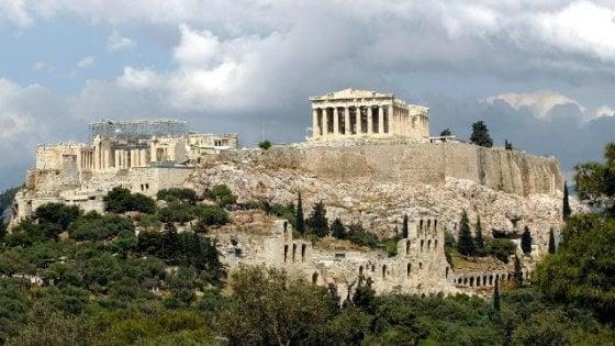 Vacanze, Atene mette in quarantena l'Emilia- Romagna