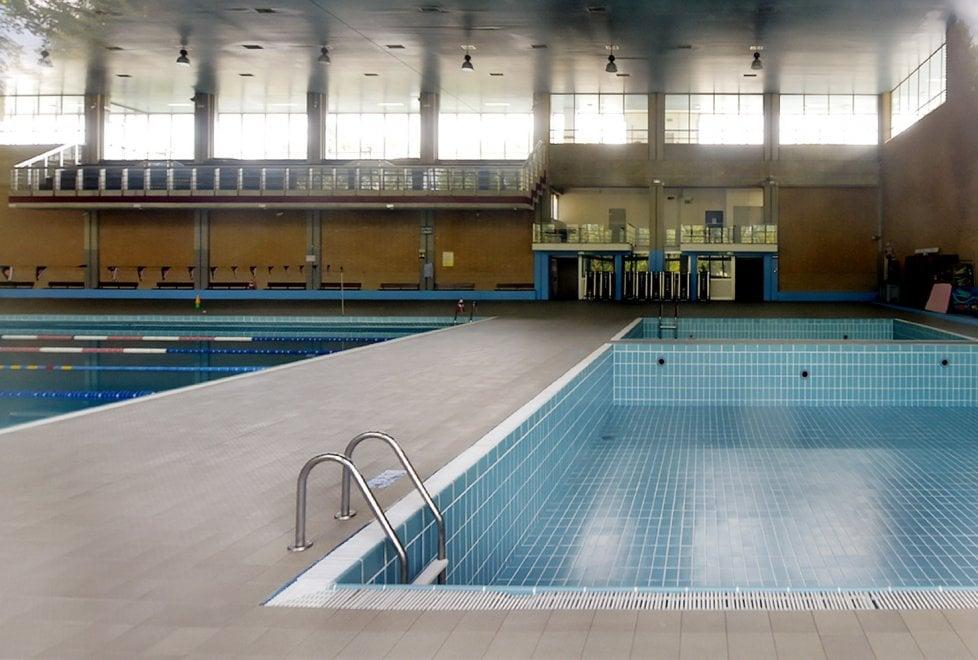 Via Zarotto, piscina e palestra chiuse. Il Comune cerca un ...