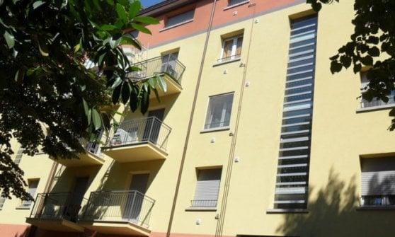Letture, musica e disegni nei condomini Acer: a Parma c'è Balconi Volanti