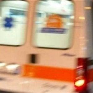 Scontro fra auto e moto sull'Asolana: un morto