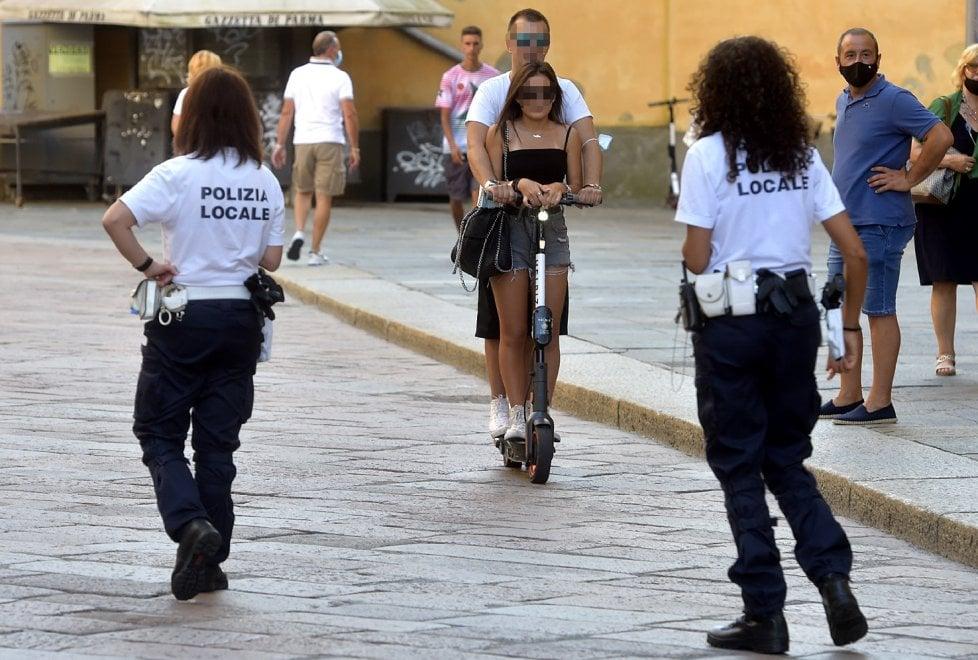 Parma, il monopattino piace ma i trasgressori abbondano - Foto