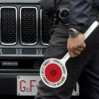 Corruzione, arrestato funzionario dell'Inail a Parma e sette indagati