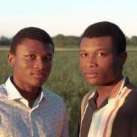 Studio e impegno civico, la storia dei gemelli Agbebaku a Parma: