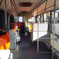 Tre bus della Tep presi a sassate in viale Toschi a Parma