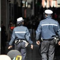 Barista serve alcolici a minorenni: sanzione e licenza sospesa a Parma