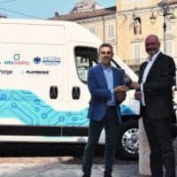 Da Fiat Professional un Ducato elettrico per gli esercenti: a Parma parte il van sharing