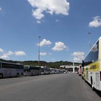 Papa Francesco, novanta minuti all'Olimpico con 50mila fedeli. Invasione dei bus intorno allo stadio