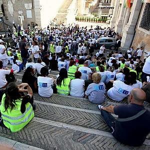 """È sciopero, Roma si ferma. Marino: """"Stipendi intatti"""". Il Pd: """"Siamo con i lavoratori"""""""