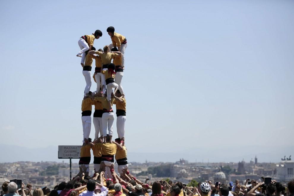 """Al Gianicolo la """"torre umana"""" per l'indipendenza della Catalogna"""