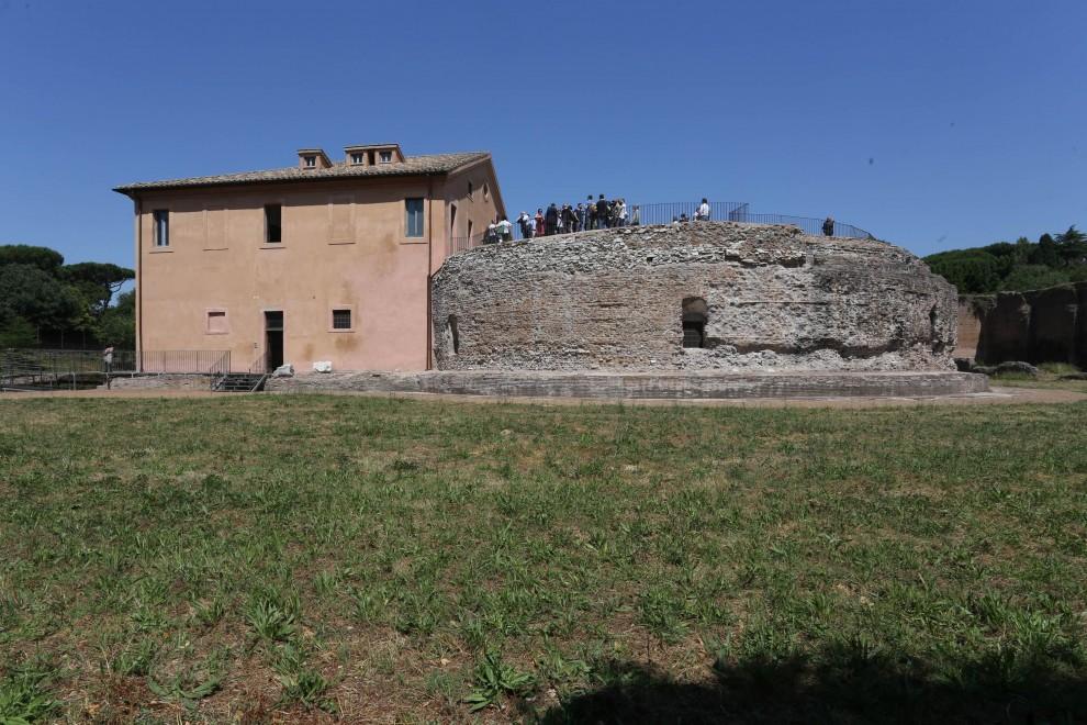 Dopo 20 anni riapre il mausoleo Romolo sulla via Appia Antica