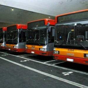 "Atac, i bus diventano ""bike friendly"": dal 1 agosto bici a bordo di 17 linee"