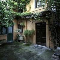 Via Margutta, cercasi nuovo inquilino per la ex casa da sogno di Fiorito