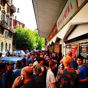 Cinema America, liceali in fila per il film di Mastandrea e ZeroCalcare