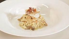 Il finto risotto di sedano rapa, finferli  e calamari dello chef Salvatore Tassa  Video