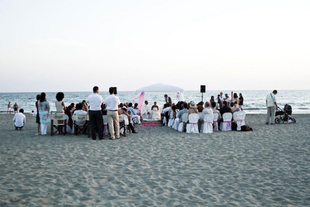 Matrimonio Spiaggia Maccarese : Fiumicino al via location per i matrimoni in spiaggia