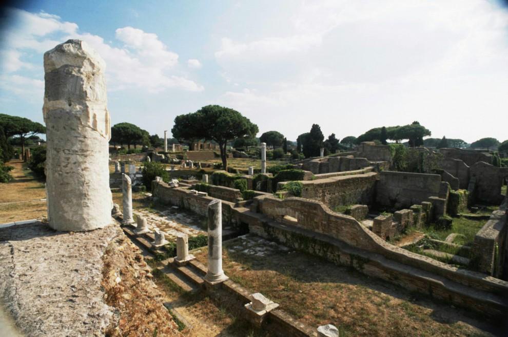 Boom di visitatori nei musei ostia antica batte pompei for Emmerre arredamenti ostia antica orari