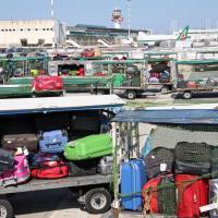 Alitalia, ''sciopero bianco'' a Fiumicino: centinaia i bagagli bloccati