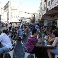 """Dehors a Campo de' Fiori, il sindaco: """"Il pomeriggio i locali potranno allestire più tavolini"""""""