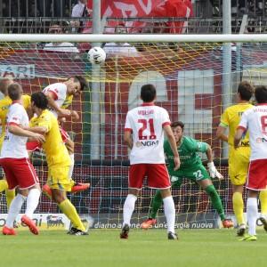 Frosinone, scontri dopo la partita. Daspo per 52 tifosi del Bari