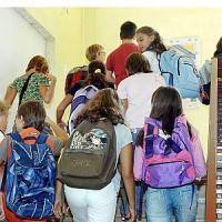 """Ritorno in classe per 523mila studenti. """"Missione"""" romana di tre ministri"""