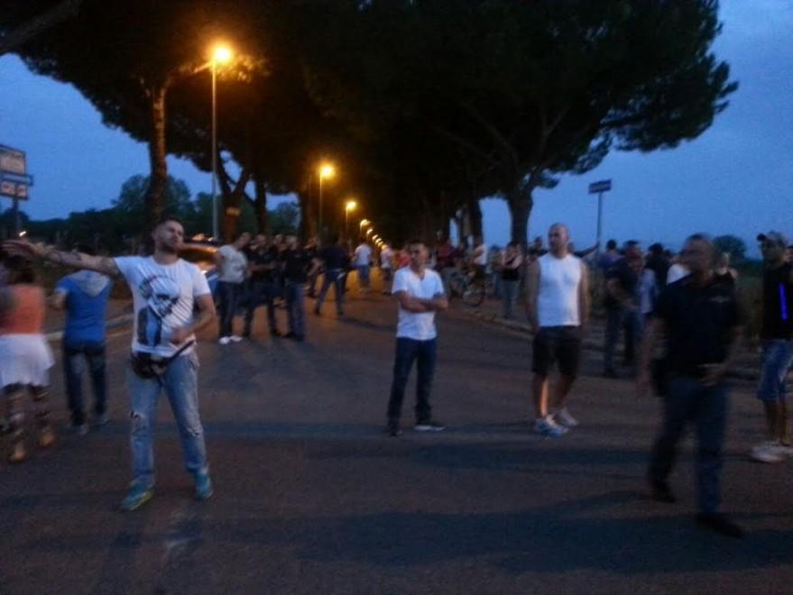 Corcolle, due bus assaltati in 24 ore, residenti in rivolta: è caccia agli aggressori