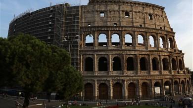 Colosseo, pronte altre cinque arcate   Foto   via parte dei ponteggi del restauro Tod's