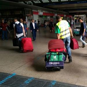 """""""Le porto io la valigia"""", anche a Termini torna il facchino e si prenota con una app"""