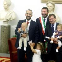 Festa in Campidoglio, Marino trascrive 16 matrimoni gay