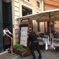 Piazza Navona, nuovo sequestro di tavoli abusivi