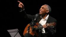 Gilberto Gil, la voce e la chitarra
