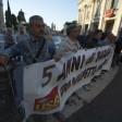 """""""Vogliamo un lavoro""""  i vigilantes-gladiatori  si incatenano in Campidoglio     Foto"""
