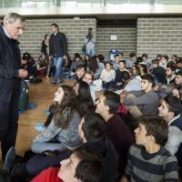 """Don Ciotti ai giovani: """"Dobbiamo aprire una nuova strada nella lotta"""